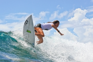 Top Seeds Step Up at Siargao International Women's Surfing cup