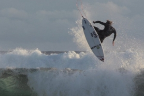 RIP CURL BOYS SURFING AT HOME