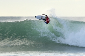 Caption: Mick Fanning (AUS) takes the win in the first heat of day at the J-Bay Open. Image: WSL / Kelly Cestari