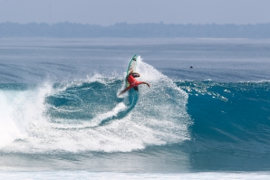 KRUI PRO SCORES SENSATIONAL SURF FOR OPENING DAY
