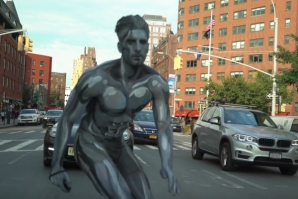 THE REAL SILVER SURFER IN THE STREETS OF NEW YORK