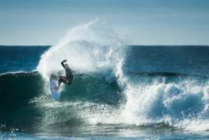 Mick Fanning doing is signature maneuvre