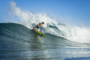 Current World No.1 Sally Fitzgibbons (AUS) continued to perform and advanced into the semifinals of the Roxy Pro France.