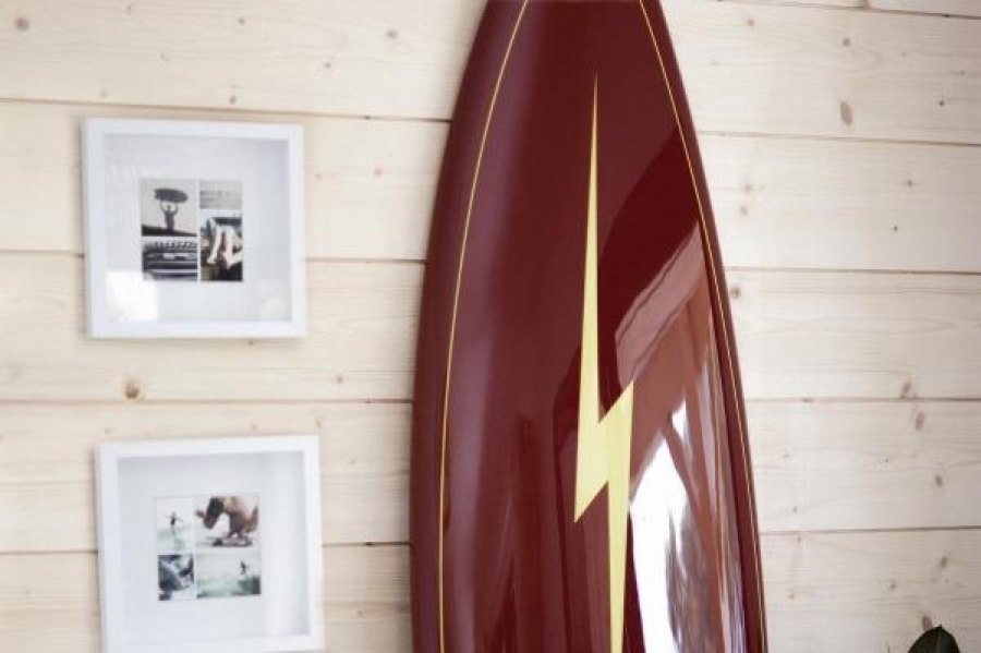 EVENTO DA LIGHTNING BOLT SORTEIA PRANCHAS SHAPEADAS POR LENDAS DO SURF