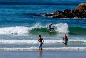 BOA ADESÃO DE SURFISTAS NA 3ª ETAPA DO A.S.C.C. CAPARICA POWER 2015