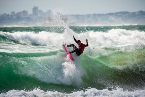 COMEÇOU O CAPARICA SURF FEST POWERED BY OAKLEY