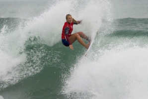 ELLA WILLIAMS RECEBE WILDCARD PARA O FIJI WOMEN'S PRO
