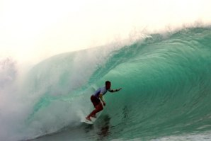 NIC VON RUP EM SUPER SLOW MOTION NA RIP CURL PADANG CUP