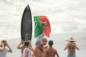 AFONSO ANTUNES CAMPEÃO NO RIP CURL GROMSEARCH