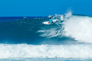 RONDA INAUGURAL DO WORLD CUP OF SURFING EM IMAGENS
