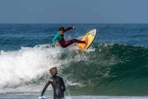 Surf To Win com Surf Camps no verão de 2020