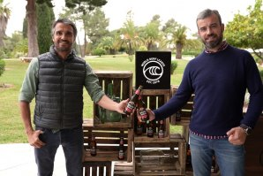 Francisco Spínola com juntamente com o directior de Marketing da Estrella Galicia