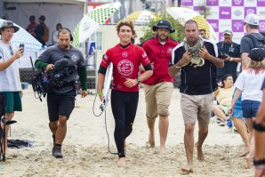 JAKE PATERSON LEVA-NOS AOS BASTIDORES DO VANS US OPEN OF SURFING