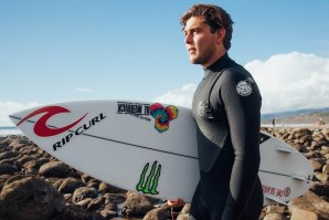 CONNER COFFIN JUNTA-SE À RIP CURL